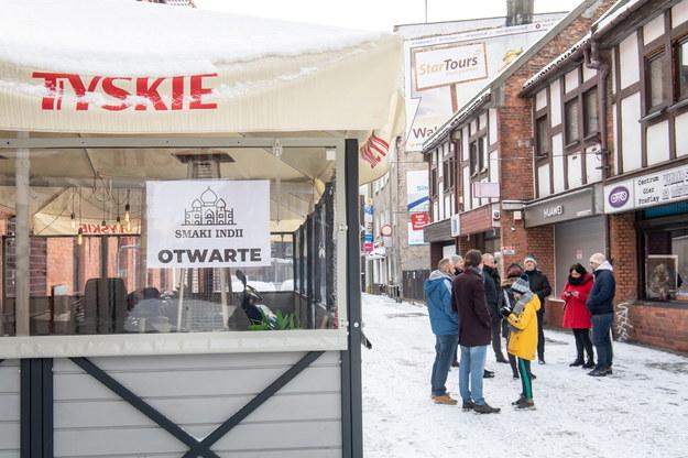 """Restauracja na toruńskiej starówce """"Smaki Indii Restaurant Cafe & Bar - Toruń"""" otwarta mimo lockdownu / Tytus Żmijewski    /PAP"""