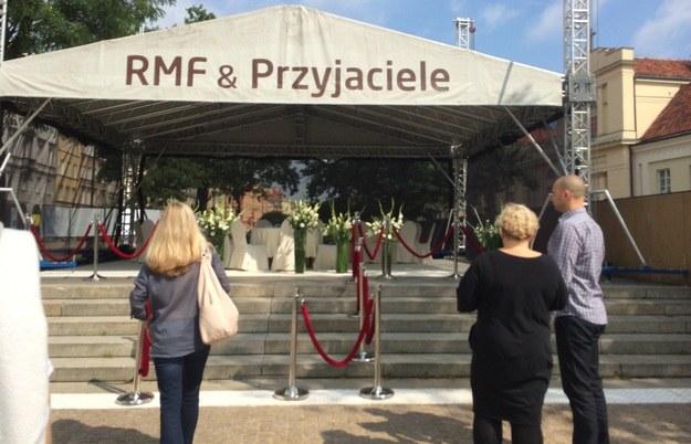 Restauracja RMF & Przyjaciele szykuje się na przywitanie gości /Blanka Baranowska /RMF FM