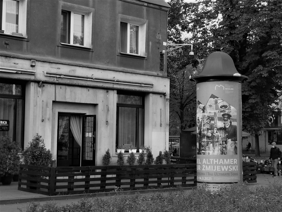 """Restauracja """"Stylowa"""" z prawego profilu /Bogdan Zalewski /RMF FM"""
