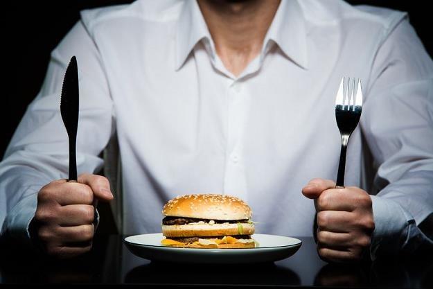 Restauracje coraz częściej oszukują klientów /©123RF/PICSEL