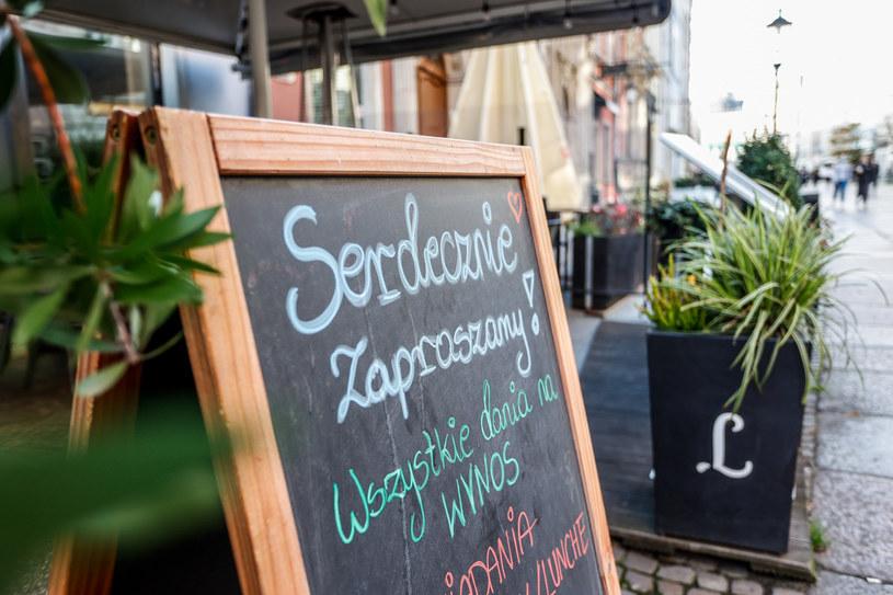 Restauracje i bary tylko na wynos /KAROLINA MISZTAL/REPORTER /Reporter