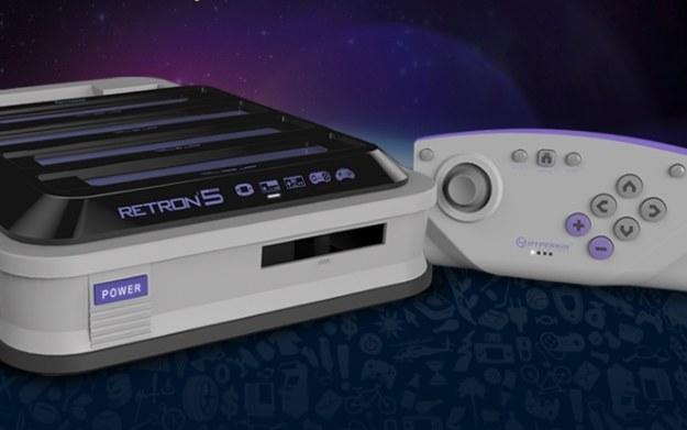 RetroN5 - zdjęcie konsoli z oficjalnej strony producenta - retron5.com /materiały prasowe