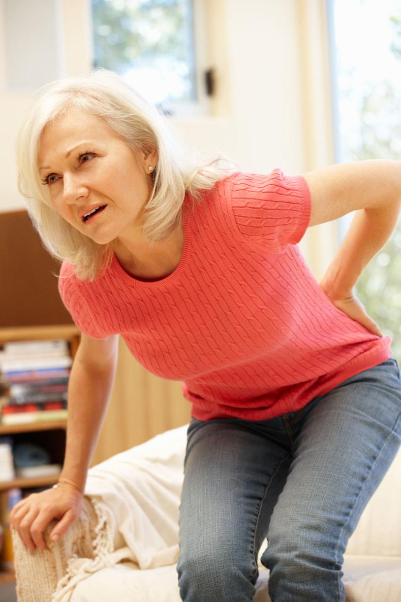 Reumatoidalne zapalenie stawów może osłabiać serce /123RF/PICSEL