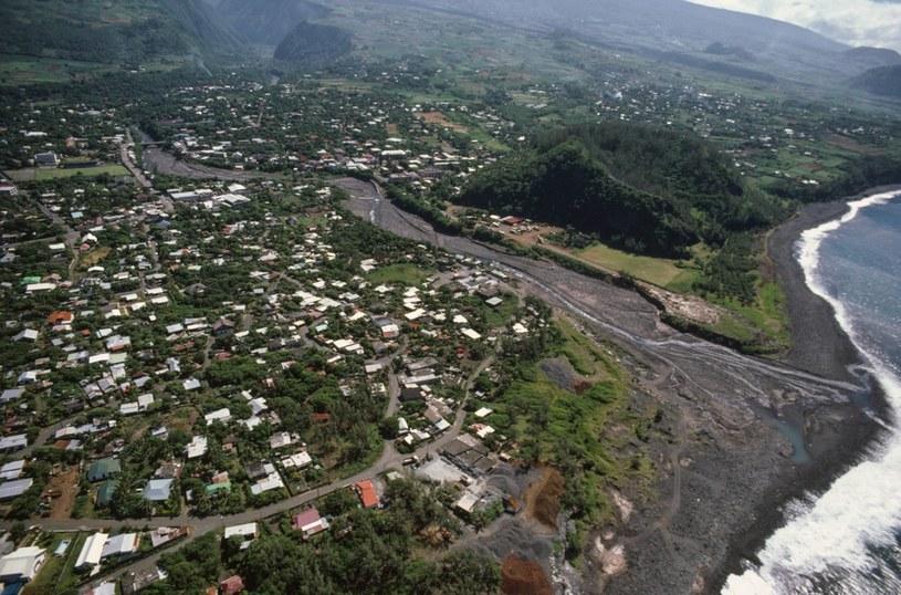 Reunion - to tu odnotowano największą liczbę przypadków COVID-19 w terytoriach zamorskich i największą liczbę przypadków dengi /DeAgostini /Getty Images