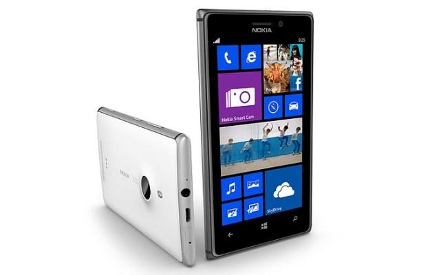Rewelacyjna Nokia Lumia 925 została przeceniona o 900 zł /materiały prasowe