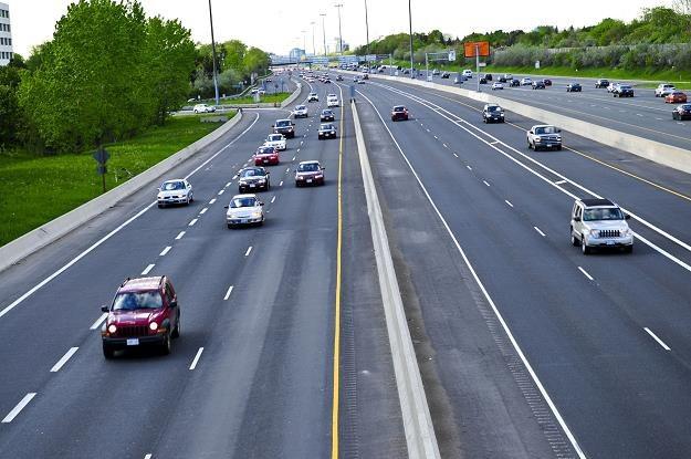 Rewolucja na autostradach: Od 15 lipca br. szybkie pasy i elektroniczny system poboru opłat /©123RF/PICSEL