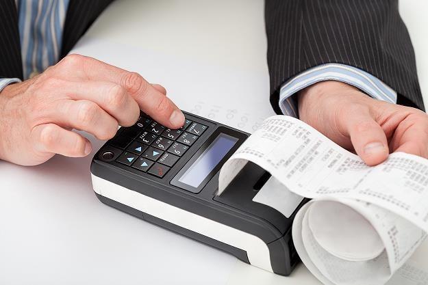 Rezerwowa kasa fiskalna - zbędny wydatek czy konieczność? /©123RF/PICSEL