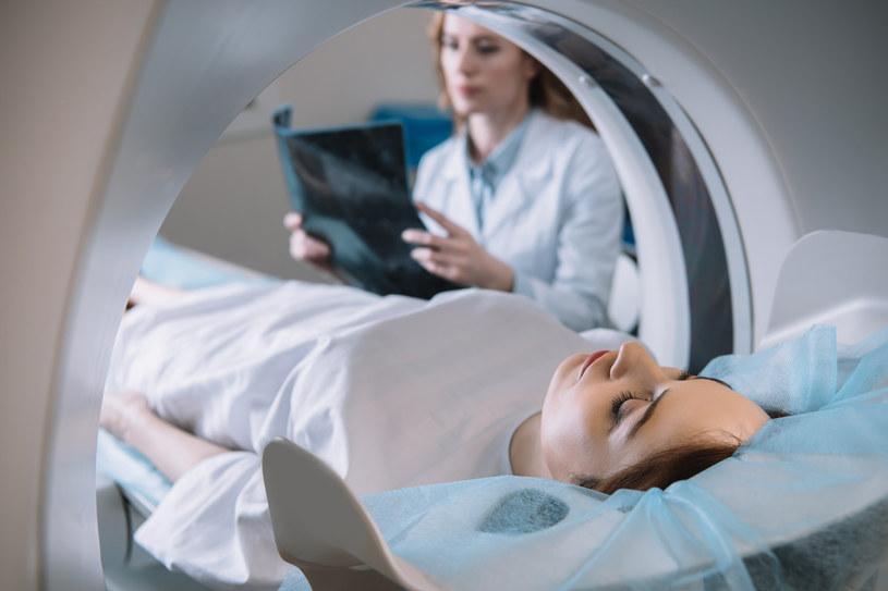 Rezonans może trwać nawet 120 minut /123RF/PICSEL