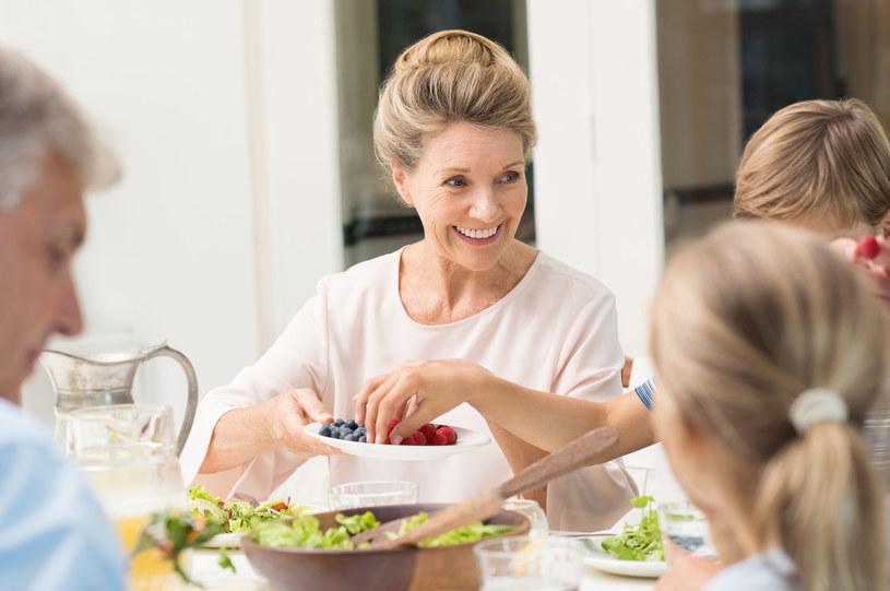 Rezultaty badań pokazują, że kobiety prowadzące zdrowy styl życia mogą uniknąć wielu groźnych schorzeń /123RF/PICSEL