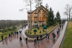 Rezydencja Janukowycza. Drogie auta, zoo, pole golfowe