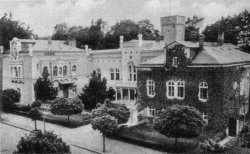 """Rezydencja właściciela """"Concordii"""" w 1943 r. funkcjonowała już jako Truppfüherschule 6 des R.A.D./Ze zbiorów Sz. Wrzesińskiego. /Odkrywca"""