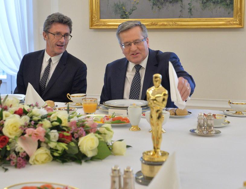 Reżyser Paweł Pawlikowski i prezydent RP Bronisław Komorowski /Jacek Turczyk /PAP