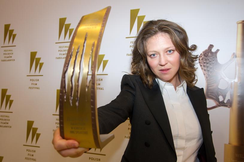 """Reżyserka """"Niny"""", Olga Chajdas, odebrała na festiwalu w Gdyni nagrodę Złotego Pazura dla najlepszego filmu w sekcji Inne spojrzenie /Wojciech Stróżyk /Reporter"""