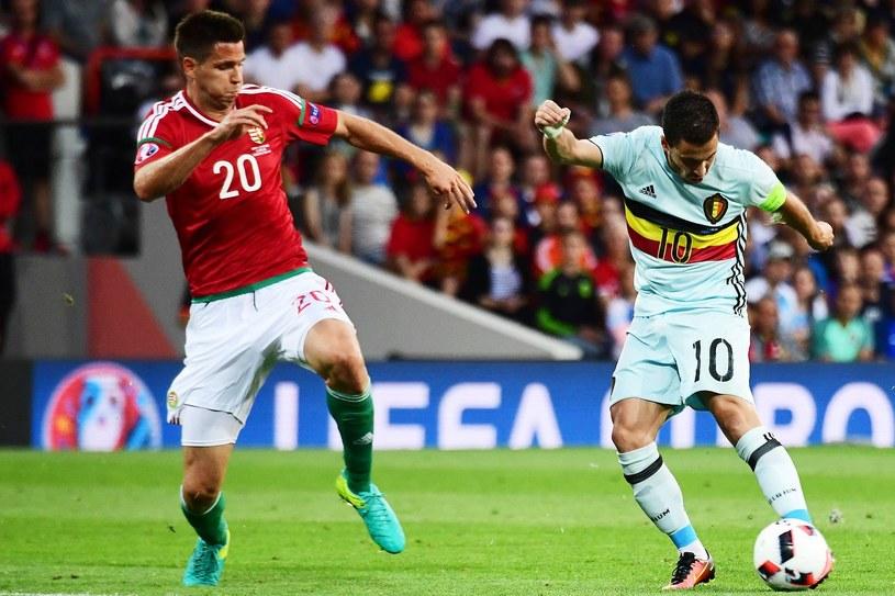 Richard Guzmics (z lewej) podczas meczu z Belgią na Euro 2016 /AFP