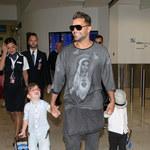 Ricky Martin z synami i... Matką Boską