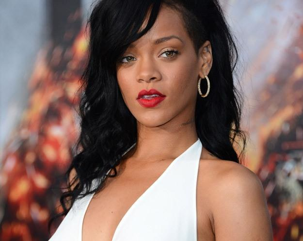 Rihanna bawi, prowokuje i uwodzi - fot. Frazer Harrison /Getty Images/Flash Press Media