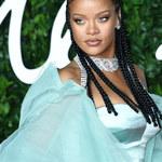 Rihanna gotuje w seksownym body