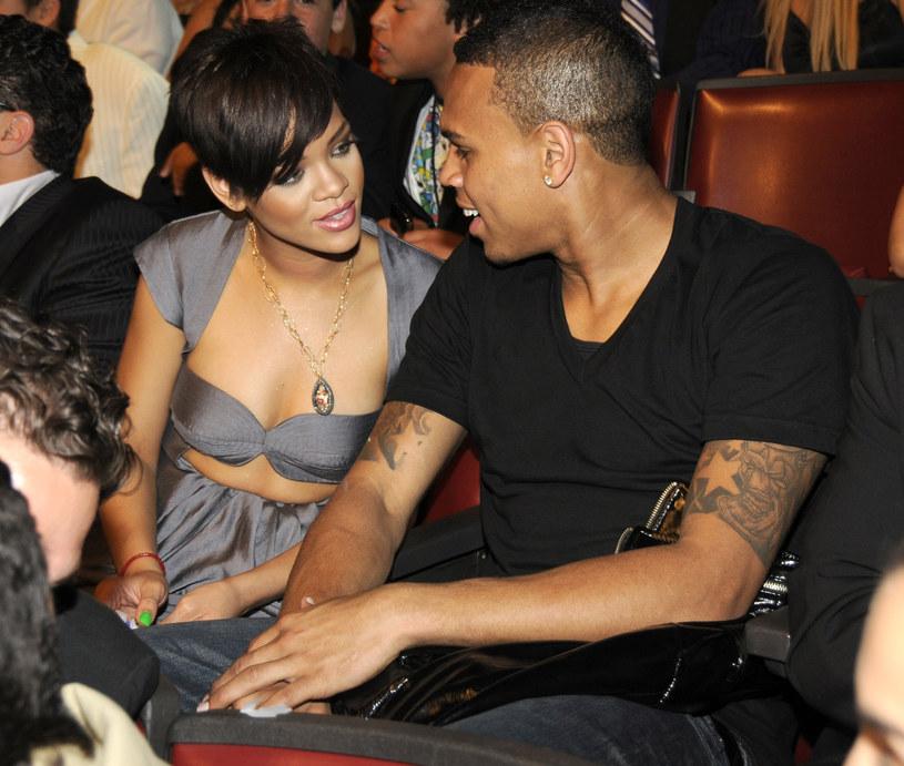 Rihanna i Chris Brown w 2008 r. /Kevin Mazur/WireImage /Getty Images
