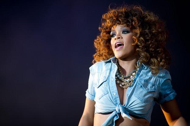 Rihanna lubi prowokować w swoich teledyskach - fot. Ian Gavan /Getty Images/Flash Press Media