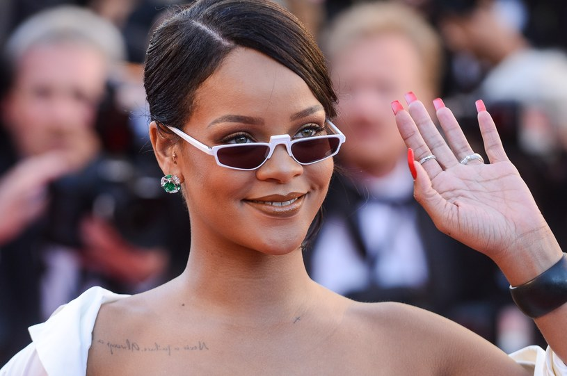 Rihanna podczas festiwalu w Cannes /East News