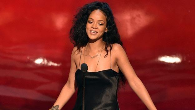 Rihanna prezentuje imponujący dystans do siebie (fot. Kevin Winter) /Getty Images