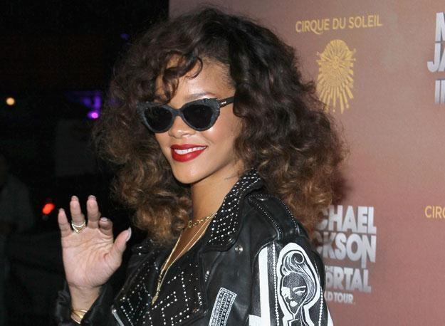 """Rihanna: """"Sprawdźcie mojego Twittera!"""" fot. Mark Davis /Getty Images/Flash Press Media"""