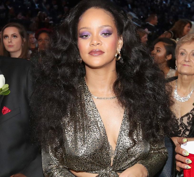 Rihanna w najmodniejszej szmince sezonu /East News
