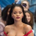 Rihanna w za ciasnej (?) sukience na premierze!