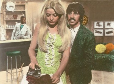"Ringo Starr i Ewa Aulin w filmie ""Candy"" /AFP"