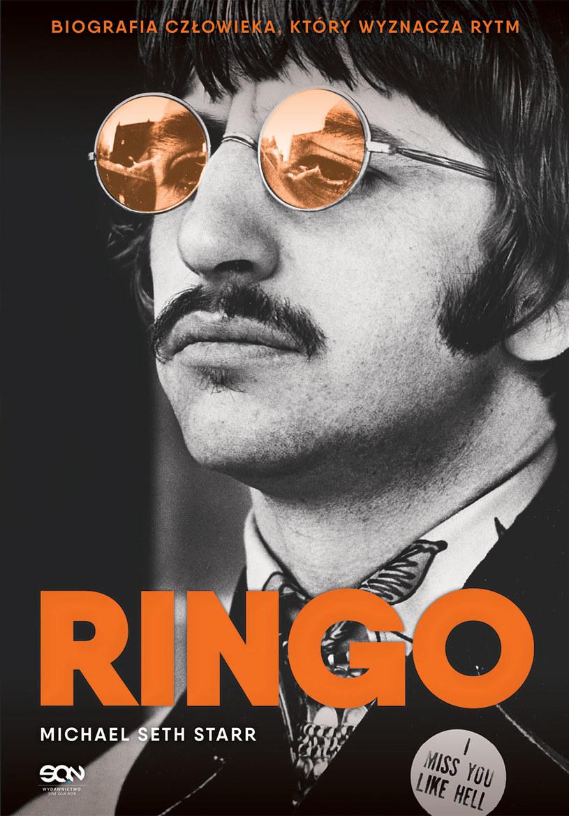 Ringo Starr na okładce książkowej biografii /