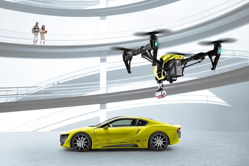 Rinspeed Etos ma własnego drona z wbudowaną kamerką TomTom Bandit /materiały prasowe