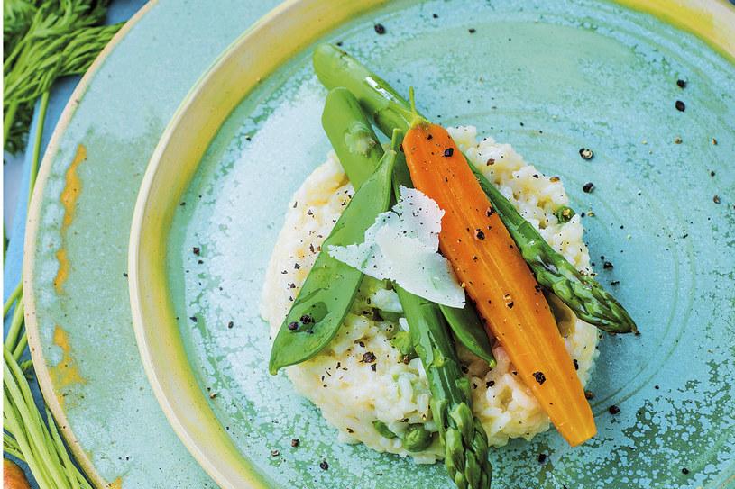 Risotto z młodymi warzywami /Twój Styl