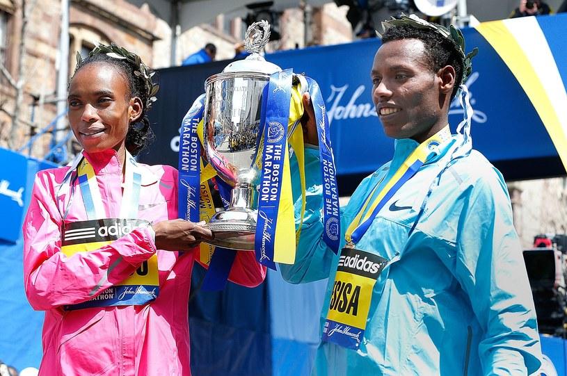 Rita Jeptoo i Lelisa Desisa /AFP