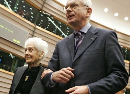 Rita Levi-Montalcini i przewodniczący Parlamentu Europejskiego Hans-Gert Pottering /AFP