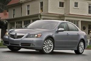 RL - poprzednik RLX-a - był odpowiednikiem Hondy Legend. /Acura