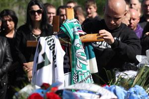 RMF24: Kilkuset kibiców na pogrzebie 27-latka w Knurowie