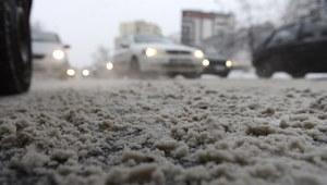 RMF24: Szklanka i śnieg na drogach! Fatalne warunki do jazdy