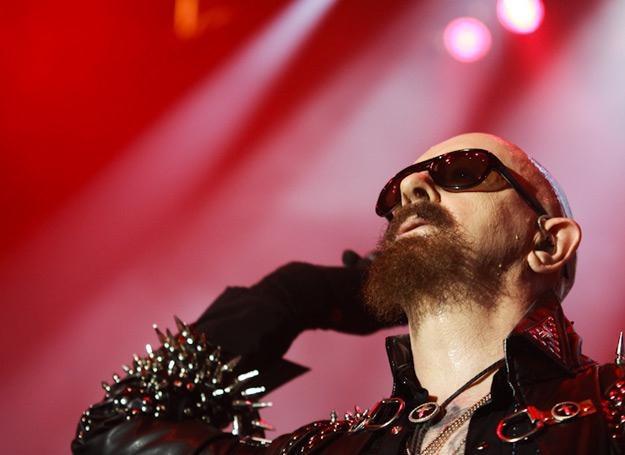 """Rob Halford (Judas Priest) w """"Breaking The Law"""" nie zaśpiewał ani linijki, wyręczyła go publiczność /fot. Bartosz Nowicki"""