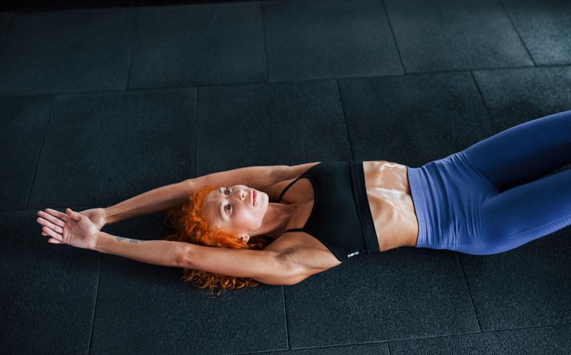 Rób te ćwiczenia regularnie. Twoje problemy ze zdrowiem się skończą /123RF/PICSEL