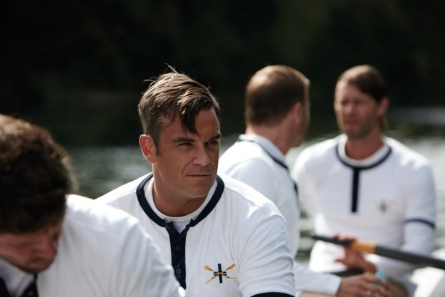 "Robbie Williams na planie teledysku ""The Flood"" /Universal Music Polska"