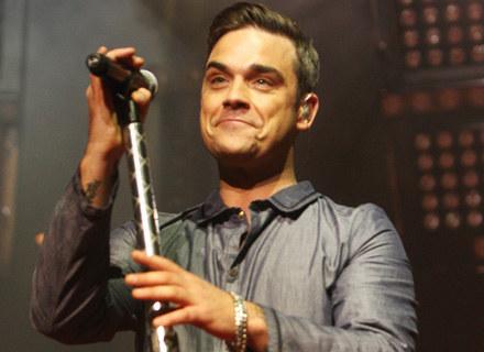Robbie Williams podczas występu w BBC - fot. Dave Hogan /Getty Images/Flash Press Media