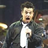 """Robbie Williams: """"Znowu ta stara babcia?!"""" /AFP"""