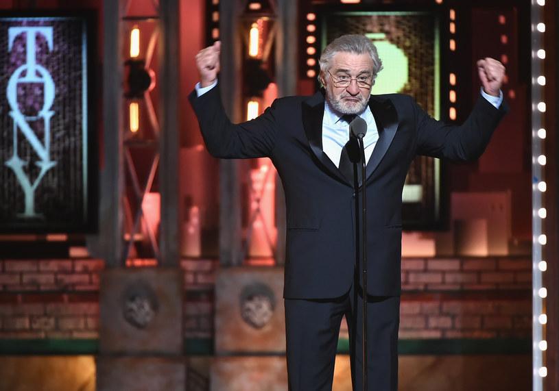 Rober De Niro podczas swojego wystąpienia na niedzielnej gali Tony Awards w Nowym Jorku /AFP