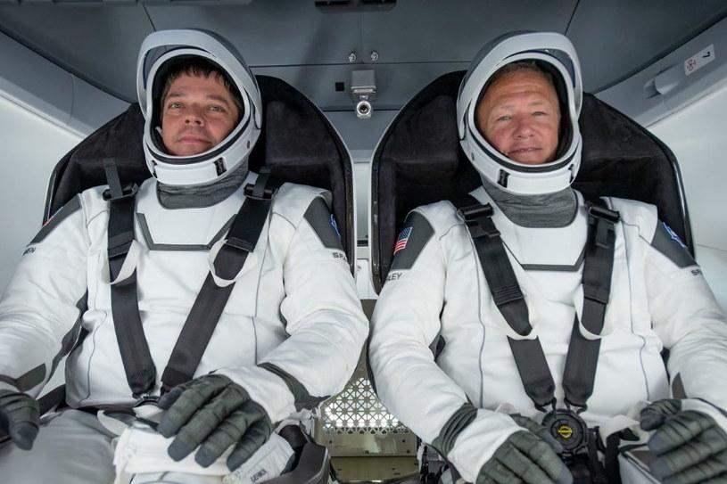 Robert Behnken (z lewej) i Douglas Hurley /materiały prasowe