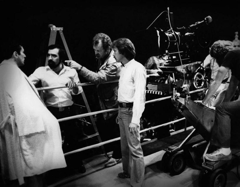 """Robert De Niro, Martin Scorsese i Michael Chapman na planie """"Wściekłego byka"""" /materiały prasowe"""