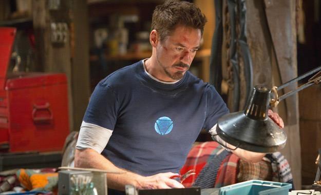 """Robert Downey Jr. w filmie """"Iron Man 3"""" /materiały prasowe"""