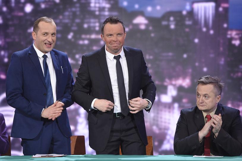 """Robert Górski, Marcin Wójcik i Mikołaj Cieślak w programie """"Latający Klub Dwójki"""" (2015) /AKPA"""