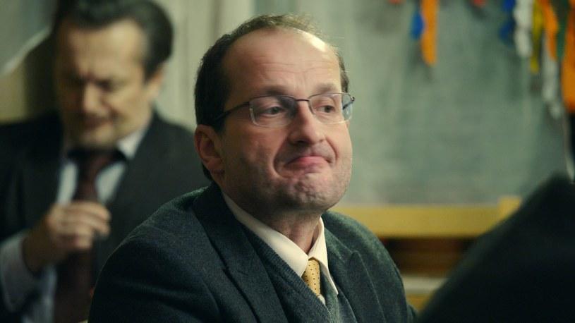 """Robert Górski w """"Pięknych i bezrobotnych"""" /Polsat"""