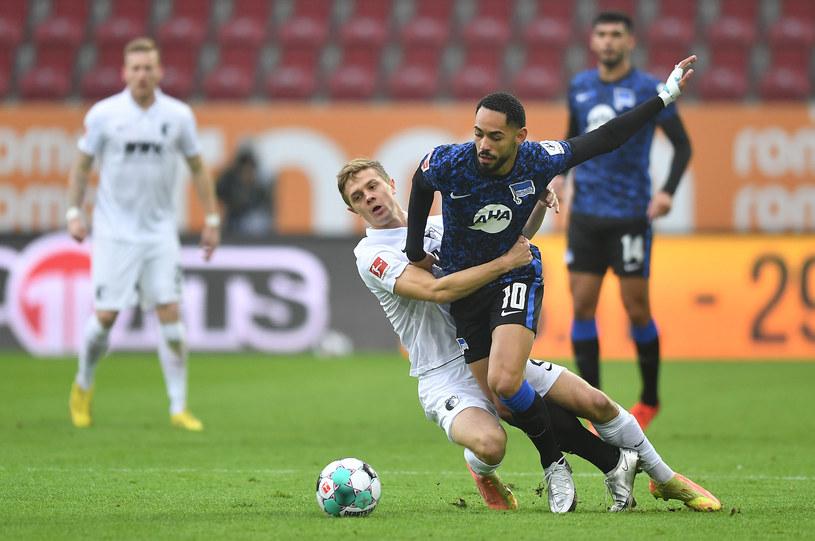 Robert Gumny w barwach FC Augsburg w meczu z Herthą Berlin /ZUMA/NEWSPIX.PL /Newspix