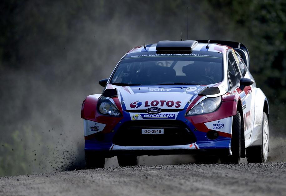 Robert Kubica (Ford Fiesta WRC) podczas rajdu w Jyvaskyla w Finlandii /Nikos Mitsouras (PAP/EPA) /PAP/EPA
